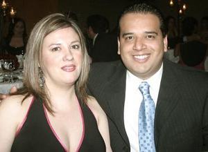 Cristina de González y José Luis González.
