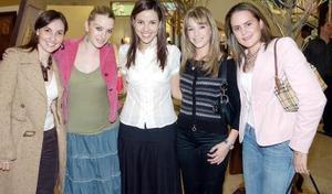 Mariana Martínez de Portilla, Karla Villarreal de Salazar, Mónica Martínez de Villalobos, Lili Uribe de Valdez y Brenda Baille de Villalobos.