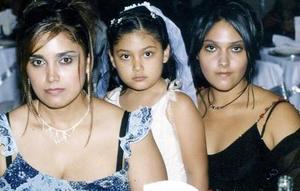 <b>20  noviembre 2005</b><p Rosy Rivera, Marian  y Valeria Ramos Rivera.