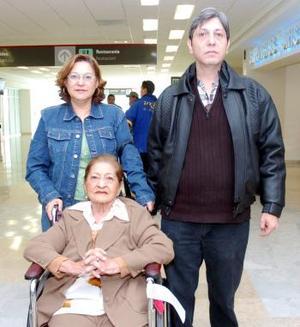 María de la Luz, Óscar y Silvia Alanís viajaron a Veracruz.