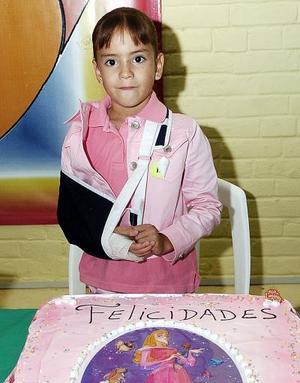 <b>21 de noviembre</b><p> Mónica Alejandra Zúñiga Izaguirre disfrutó de una fiesta con motivo de sus seis años de vida.