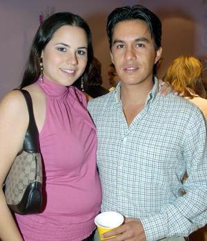 <b>21 de noviembre 2005</b><p> Any Ochoa y Alejandro Herrera.