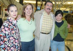 Charmine Villalobos, Ana María de la Mora, Hugo de la Mora, Ayissa de la Mora Garza.