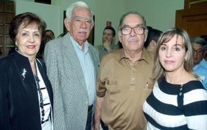 <b>21 de noviembre 2005</b><p> Soledad Llamas de Anaya, Ricardo Anaya Pinocelli, Mario Villarreal y Sonia de Anaya.