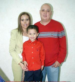 José Carlos Silva Rodríguez recibió muchos regalos en la fiesta que le organizaron sus padres, Elizabeth Rodríguez y Carlos Gerardo SIlva al cumplir cinco años de edad.