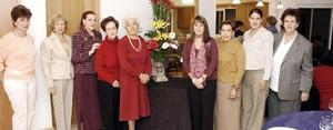 <b>23 de noviembre 2005</b><p> Rosario Abularach, Yolanda de Pedroza, Rosita de Granados, Georgina de García, Socorrito de Rampirz, Cata de Bejarano, Tere de Castañeda, Yarely de García y Paty García.