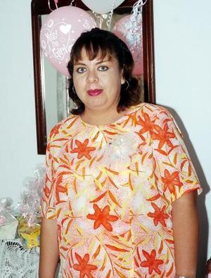 Por el cercano nacimiento de su segunda bebé, Liliana Castañeda de Martínez fue festejada con una merienda.