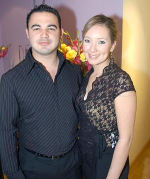 <b>22 de noviembre 2005</b><p> Jesús Villarreal y Jaqueline Montes Siller.