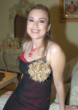 <b>23 de noviembre 2005</b><p> Susana Mireya Marquecho Avitia contraerá matrimonio el 16 de diciembre con Arturo Quiñones García.