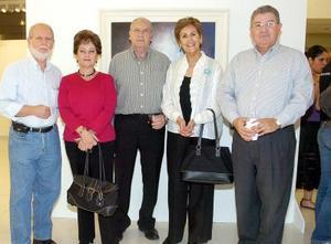 León Urow, Mussy de Urow, Sigifrido Sánchez, Luz de Sánchez y José García Triana.