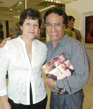 María de Jesús García y Mario Expinoza.