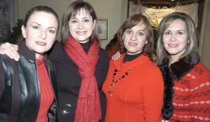 <b>25  de noviembre 2005</b><p>  Graciela Rimada, Sylvia Porragas, Ababel González y Carmen Ávalos