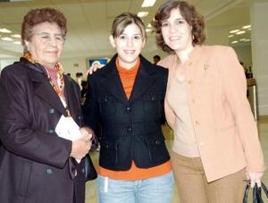 Karen Rivera, Raquel Benavente y Tere de Rivera, viajaron a México, DF.