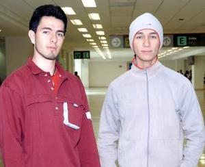 <b>26 de noviembre 2005</b><p>  Luis Rodríguez y Sixto Castillo viajaron a México, DF.