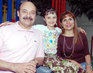 <b>26 de noviembre</b><p>  Con una alegre fiesta Brigitte Guzmán del Valle fue festejada por sus papás Germán Guzmán Valdés y María del Valle de Guzmán, al cumplir ocho años de vida.