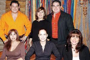 Cecilia Zorrilla, Silvia Soto, Juliana Páez, Juan Gerardo Siller, Violeta de Siller y Fernando Siller.