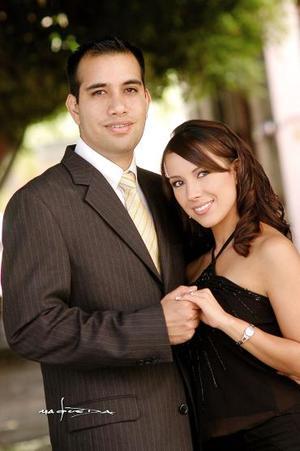 Gustavo Alberto Canales Robles y Carolina de la Garza Betancourt.