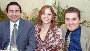 Gustavo Torres, Gabriela Ortiz de González y Arturo González.