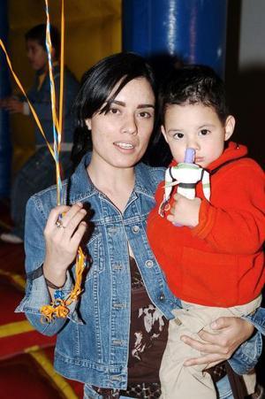 Con un divertido convivio infantil el pequeño Berny Flores fue festejado por su mamá Claudia Flores.