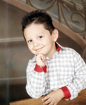 Con una linda fiesta el pequeño Ángel Saúl Castro López celebró su tercer año de vida
