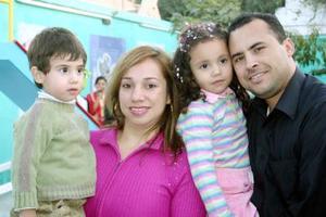 Mariana Urby de la Cruz celebró sus cuatro años de vida con una bonita fiesta que le organizaron sus papás Humberto Urby y Julieta de la Cruz y su hermanito Betito