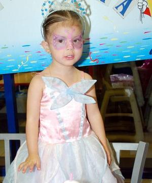Por su tercer cumpleaños Ana Valeria Puentes Contreras disfrutó de una merienda que le organizó su mamá.