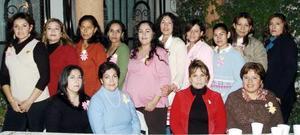 Con la agradable compañía de invitadas, María Isabel López de Terrrazas festejó el próximo nacimiento de su bebé..