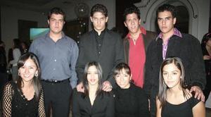 Marcela Marín, Gaby Velasco, Laura Alvarado, Andrea Espinoza, Juan José Ramírez, Mario González, Juan José Sánchez y Pepe Pérez