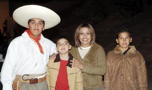 Claudia Arévalos, Sergio Durán, Luis y Edwin Espinoza.