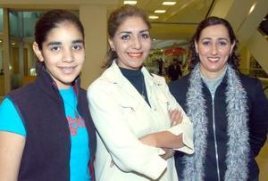 Jacqueline Kort, Huby Mascort de Kort y Marilú Zarzar.