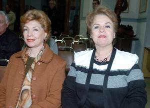 Magdalena Moreno y Margarita de Bernal.