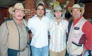 Víctor Setién Mijares, Juan Eduardo Villalobos, Víctor Setién Valenzuela y Eduardo Villalobos, en reciente acontecimiento.