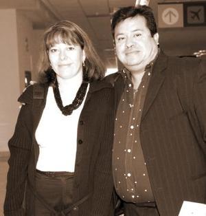 Claudia Barabda y Carlos González, viajaron a México, DF.