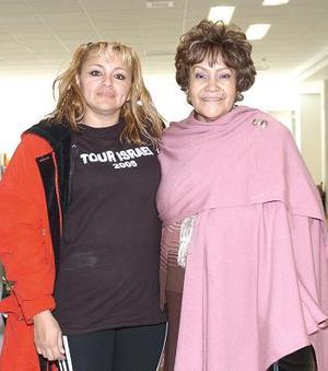 <b>28 de noviembre 2005</b><p> Mary Carmen Méndez y Marisol Rivera, viajaron a Israel.