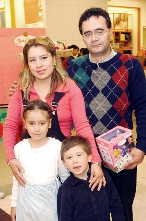 Familia Lara Cadena.