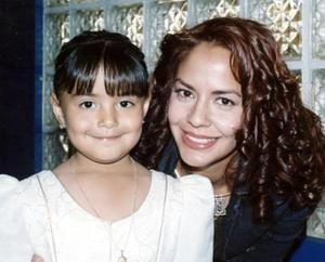 Liliana Sofía Castillo Luna celebró sus cinco años de vida, con una merienda que le ofreció Ericka Luna de Castillo.