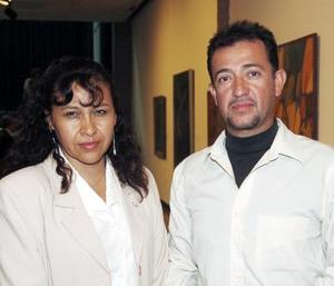 Irma Carrillo  y Arturo González.