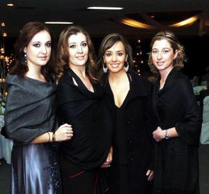<b>29  noviembre 2005</b><p> Maribel Fernández, Yolanda Fernández, Esteysi Anaya y Paulina Canedo..