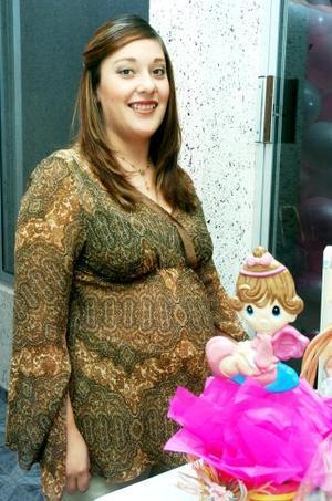 Con motivo del próximo nacimiento de su bebé, Bibiana Aguilar de Estrada disfrutó de una tierna fiesta de canastilla.