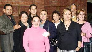 Francisco Zertuche, Isela de Zertuche, Jesús, Sandra, Verónica, Enrique, Laura y Lourdes García, Denisse González y Úrsula de Estrada