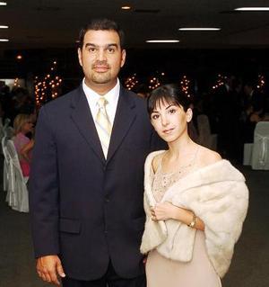 Carlos Anaya y Paola Garza..