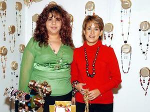 <b>29  de noviembre 2005</b><p> Nancy Lozano y Francis Herrera.