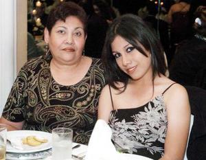 <b>30  de noviembre 2005</b><p> Zayda Lara e Isabel Lomas.