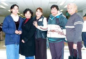 Karina, Judith y Merid Falcón y Aurora Mejía, viajaron a Israel y las despidió Ana Lilia Hernández.