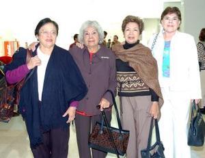 Celia y Amelia Lira viajaron a Tijuana, las despidió Pepis y Sara.