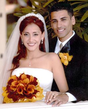 Sr.Turk Ajoaib y Srita. Isabel Salas Cisneros, el día de su enlace matrimonial.