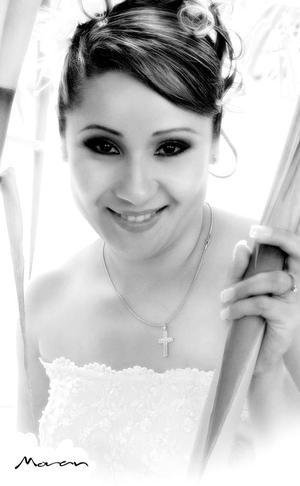 C.P. Claudia Marcela Mora Rivas, el día de su boda con el Ing. Nelson Tuda Lozano.