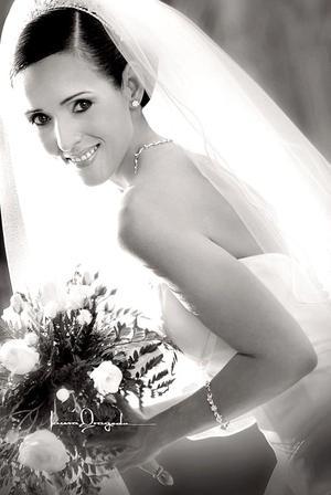 L.D.G. Karla Martínez Santillán, el día de su boda con el Sr. Luis Gerardo Hamdam Huereca.