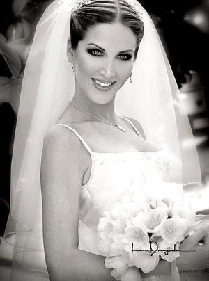 Srita. María Fernanda Gitiérrez Guerra, el día de su enlace matrimonial con el Sr. Jaime Burnes García..