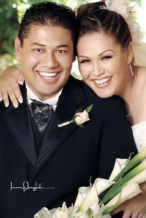 Sr. Jesús Alemán García y Srita. Pilar Cavanzón Ebrard contrajeron matrimonio religioso el pasado ocho de octubre.